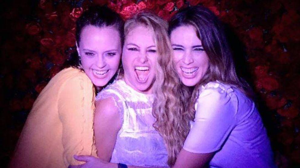 La alocada fiesta (todo al rojo) de Paulina Rubio con Shaila Dúrcal en Miami