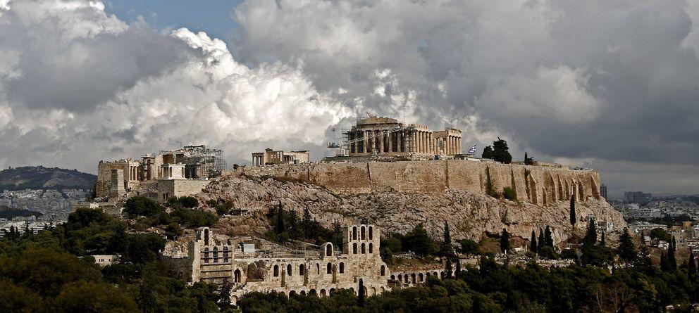 Foto: Vista de la acrópolis en un día nublado