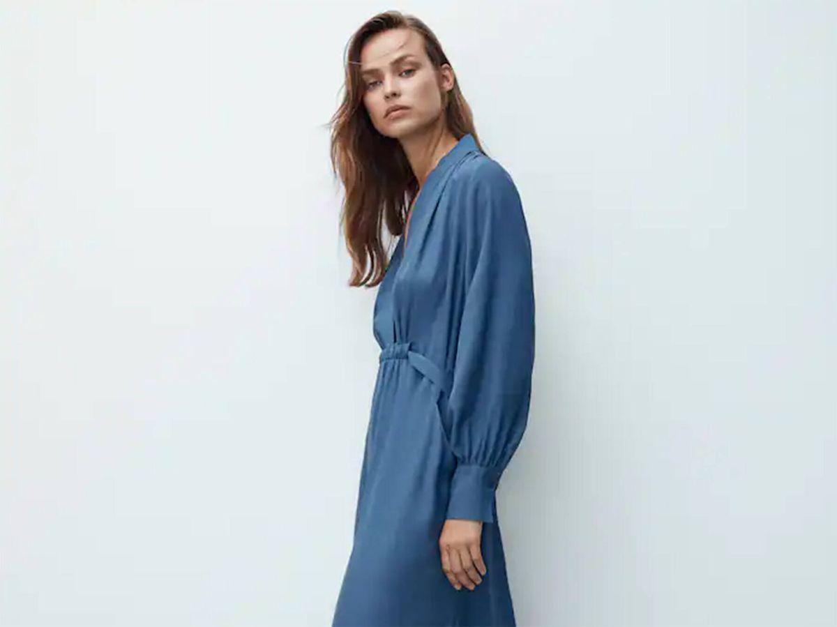 Foto: El vestido sofisticado y estiloso de Massimo Dutti que enamora a madres e hijas. (Cortesía)