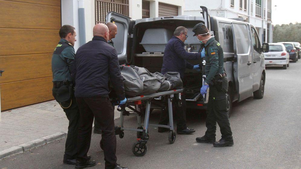 Foto: Imagen de archivo de una mujer aparecida muerta con signos de violencia. (EFE)