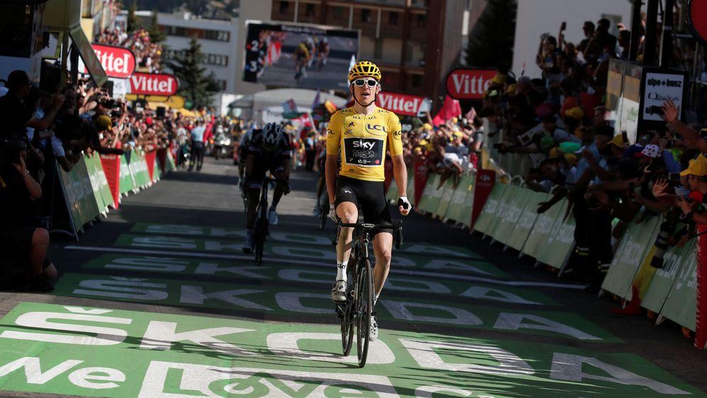Foto: Geraint Thomas logró la victoria en Alpe d'Huez una de las cimas más míticas del ciclismo mundial. (Reuters)