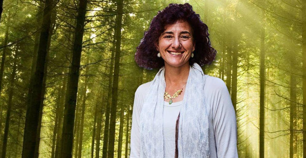 Foto: La ingeniera  Reyes Alejano descifra la edad del último bosque milenario de España. (EC)