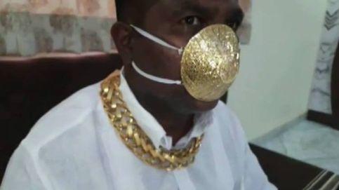 Un hombre encarga en India una mascarilla contra el covid-19 hecha de oro puro