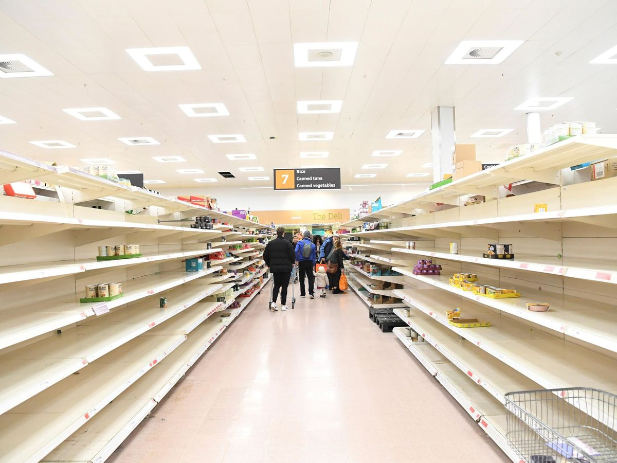 Foto: Supermercado londinense en marzo de 2020 (Efe)