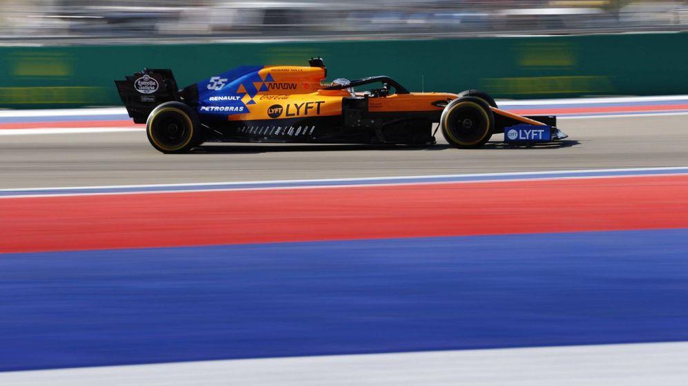 Foto: Carlos Sainz rivalizó con los Mercedes en la salida y terminó sexto en el Gran Premio de México. (McLaren)