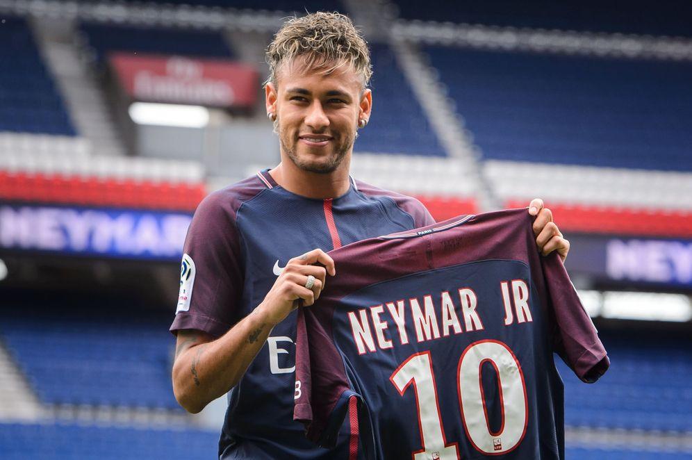 Foto: El PSG presenta a Neymar tras su fichaje (EFE)