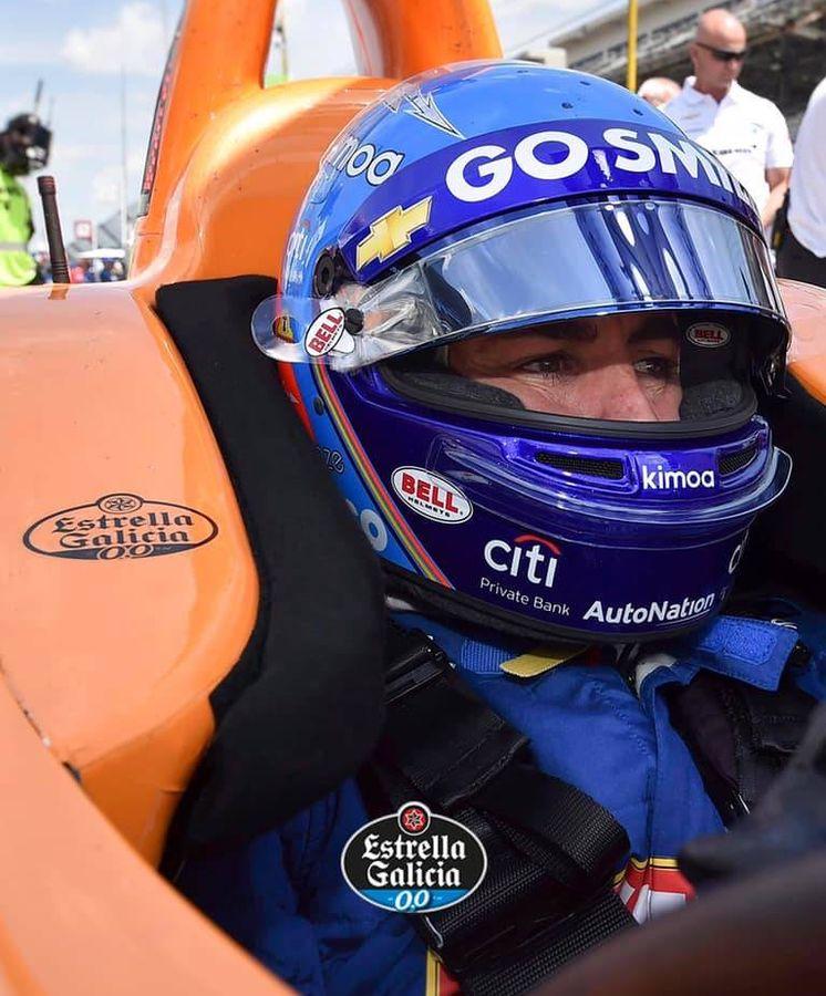 Foto: Fernando Alonso en su McLaren de Indianápolis. (@McLarenIndy)