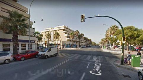 Muere un niño al caer desde la terraza de un segundo piso en Málaga