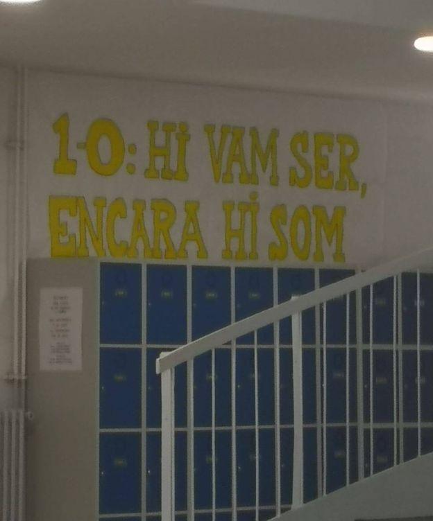 Foto: Pancarta en el instituto público Eugeni d'Ors de Vilafranca del Penedès. (EC)