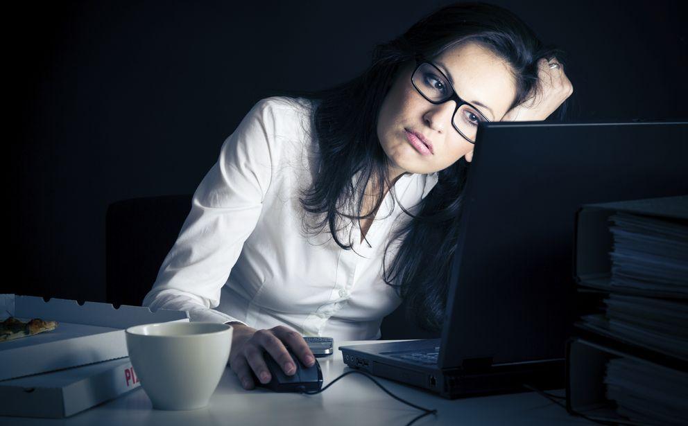 Foto: Las decepciones vitales que ocasiona el trabajo son aún más acentuadas entre las mujeres jóvenes. (Corbis)