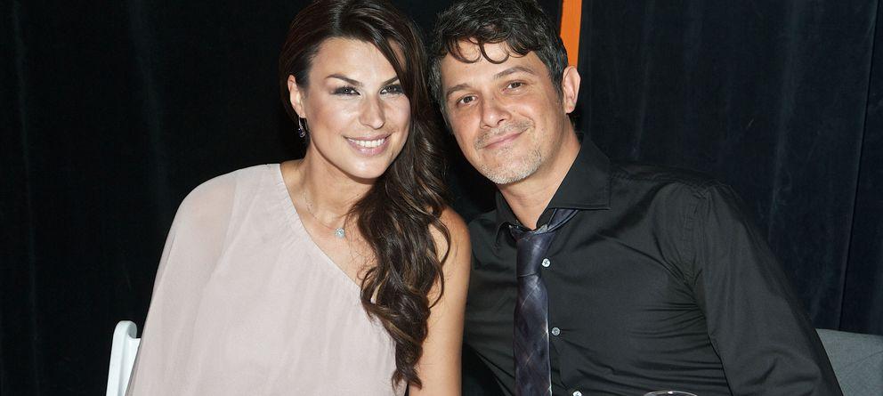 Foto: Alejandro Sanz y su mujer Raquel Perera en una fotografía de archivo. (Gtres)