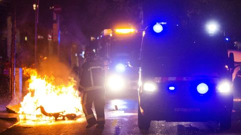 Los disturbios por el 'banco expropiado' de Barcelona, en imágenes