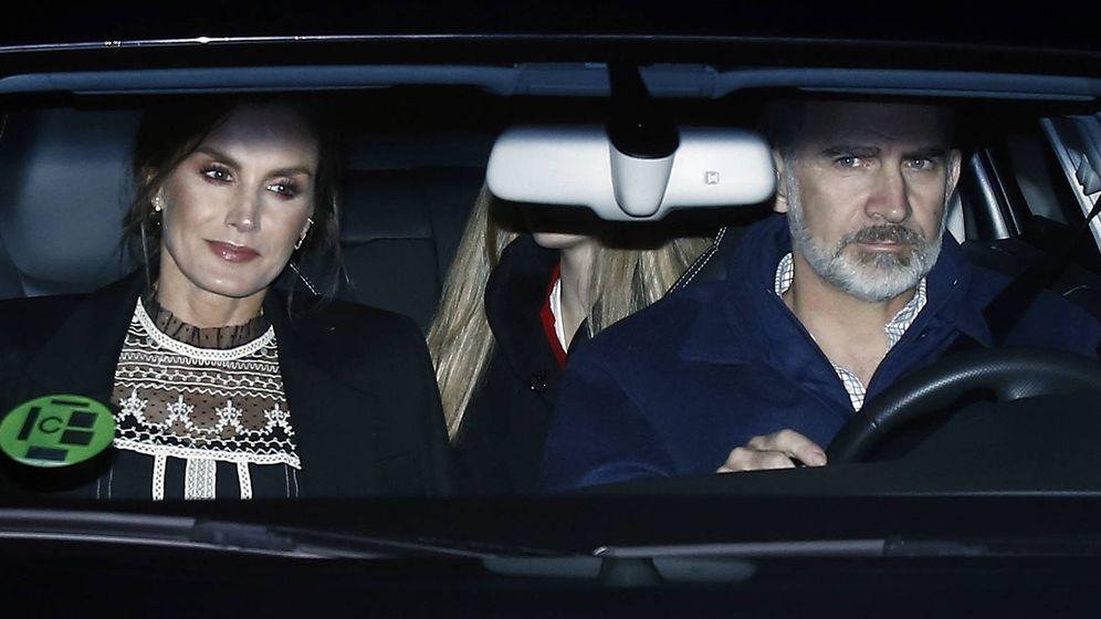 Foto: Los Reyes llegando a casa de Jesús Ortiz. (Getty)