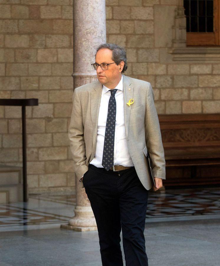 Foto: El presidente de la Generalitat, Quim Torra, de camino a la última reunión del Govern. (EFE)