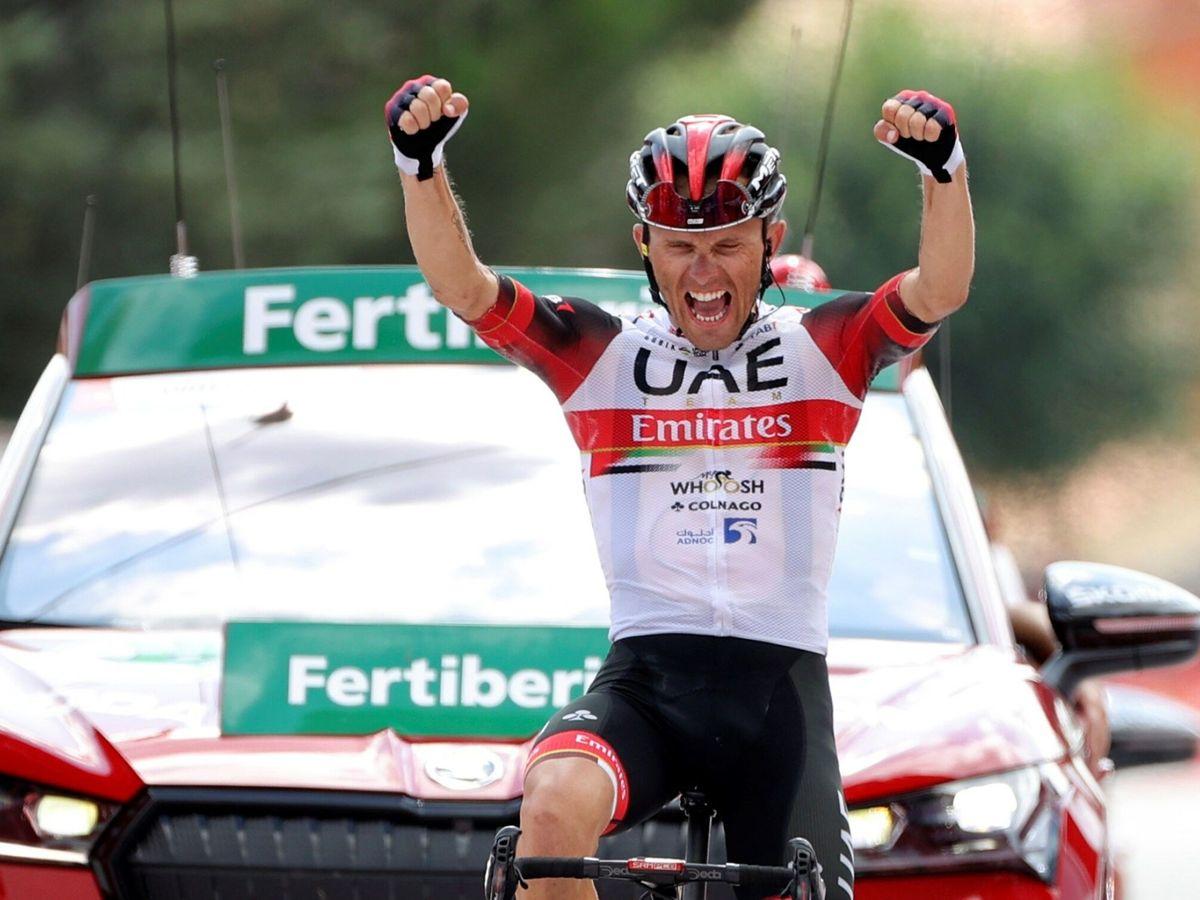 Foto: l ciclista polaco Rafal Majka celebra su victoria en la 15ª etapa de LaVuelta. (EFE)