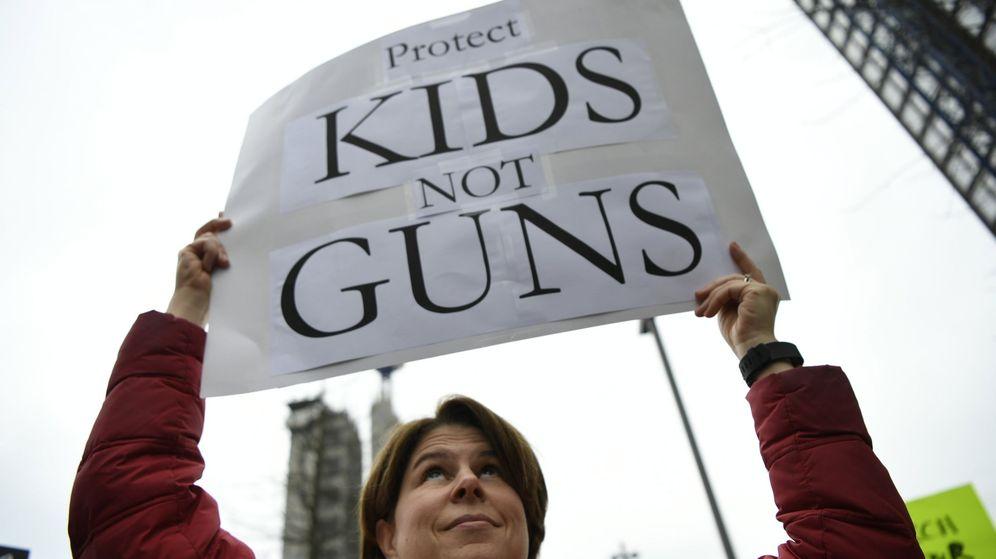 Foto: Marcha contra el uso de las armas en las escuelas. (Reuters)