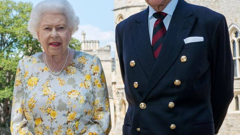 Las manos de la reina Isabel. (Buckingham Palace)