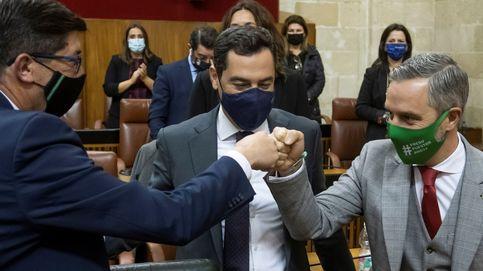 Andalucía saca sus 'presupuestos covid' de la mano de Vox y la vista en la vacuna