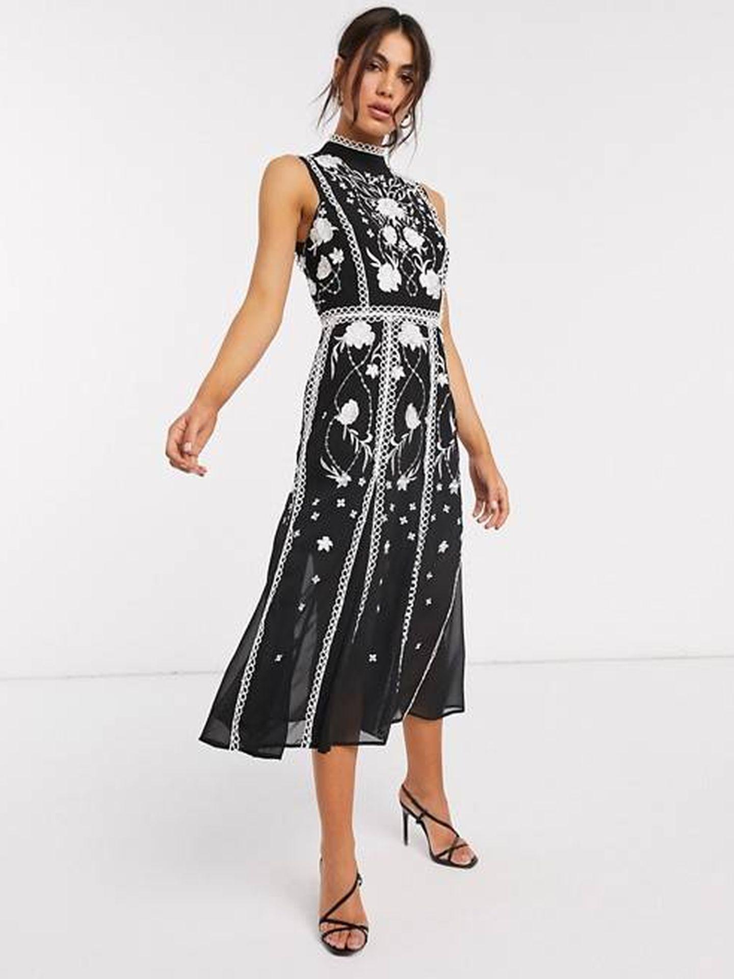 Apuesta por el blanco y negro con este vestido. (Cortesía)