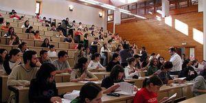 Foto: Tarifazo de 500€ a la universidad: El objetivo es acabar con decenas de centros públicos