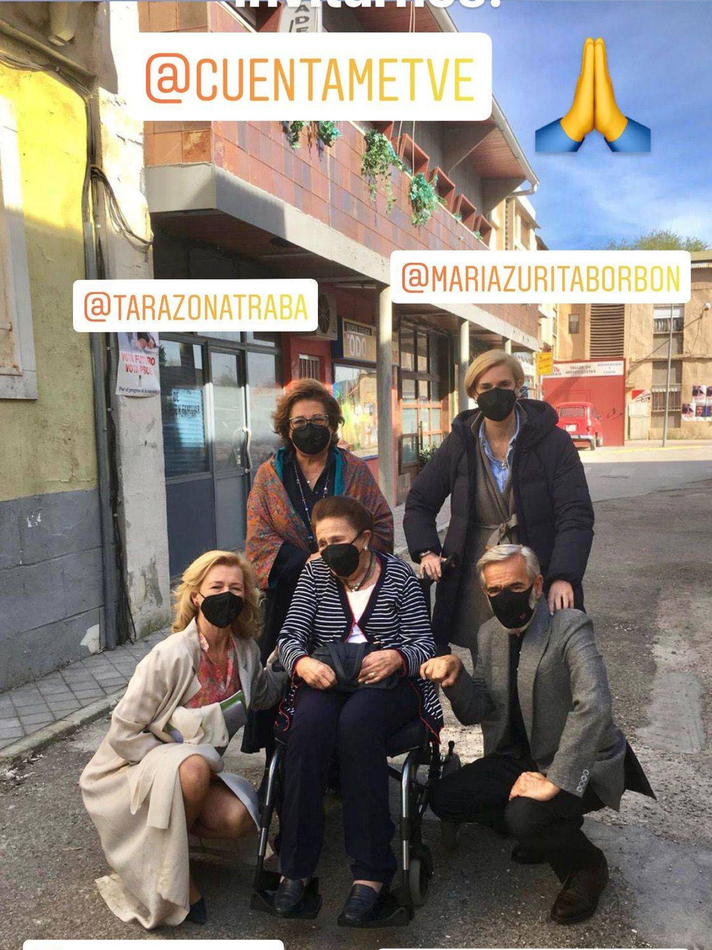 María Zurita y la infanta Margarita, en el rodaje de 'Cuéntame'. (Redes sociales @mariazuritaborbon)