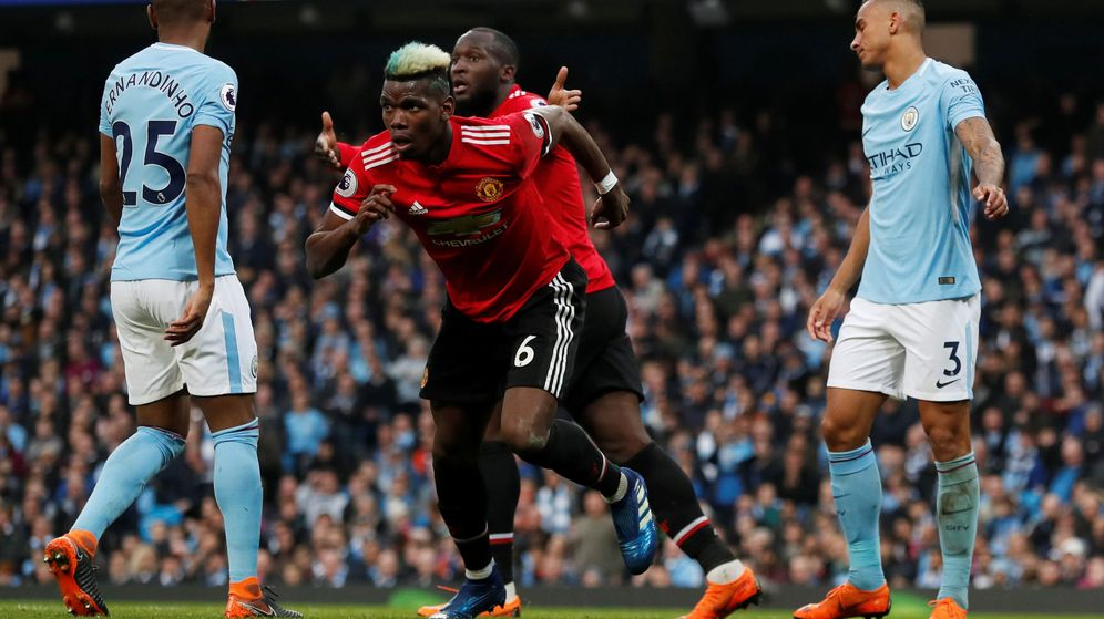 Foto: Paul Pogba marcó dos de los tres goles de United ante el City. (Reuters)
