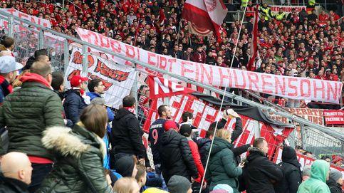 El plante del Hoffenheim y el Bayern en la Bundesliga por los insultos de los aficionados