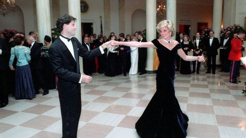 El icónico vestido con el que Lady Di bailó con John Travolta, a subasta