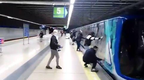 Un general del aire, perros y cámaras: las armas de Metro contra los grafiteros