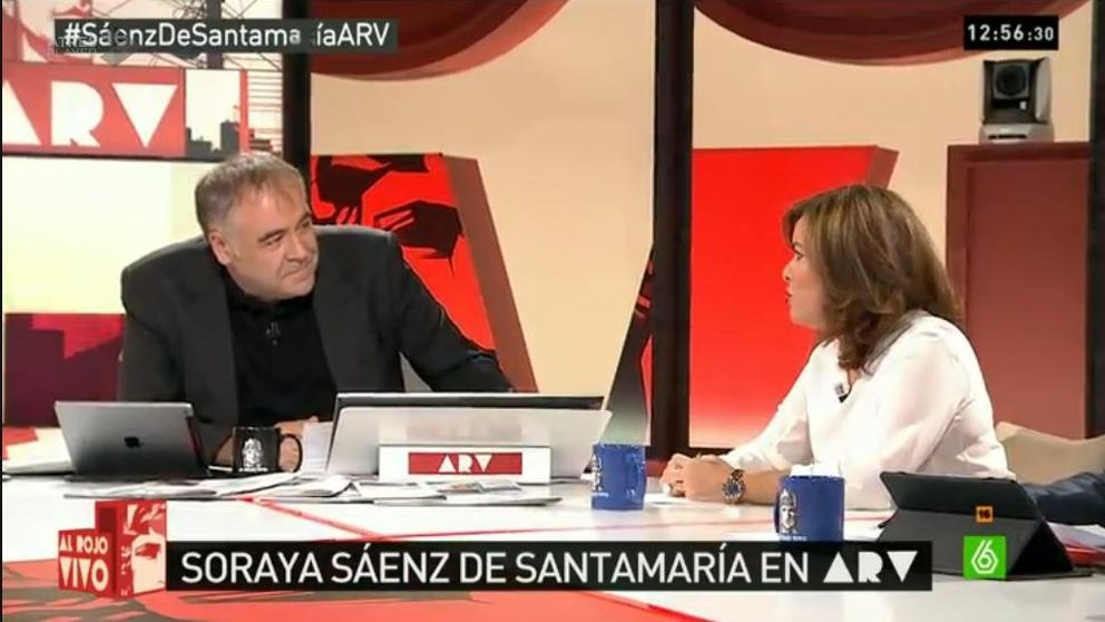 Moncloa 'pasa' de RTVE y se entrega a Herrera y las privadas para la campaña