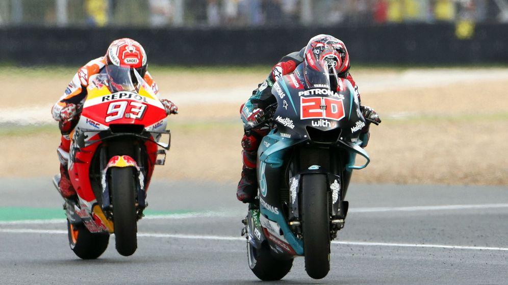 Foto: Fabio Quartararo, por delante de Márquez en el GP de Tailandia. (EFE)