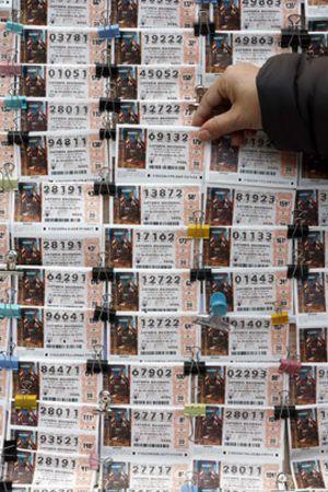 La dimisión de Aguirre y el fin del mundo maya, entre los más vendidos para la Lotería de Navidad