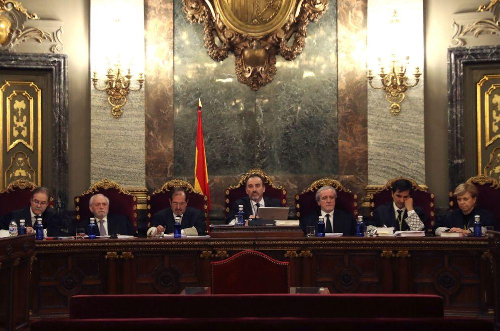 Foto: El magistrado Manuel Marchena preside el tribunal de siete jueces en la vista por las cuestiones previas del caso del 'procés' en diciembre. (EFE)