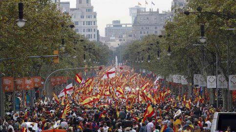 Miles de personas en Barcelona en la manifestación por la unidad de España