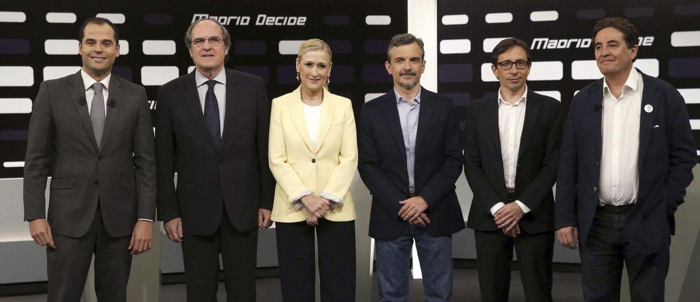 Foto: De izda. a dcha.: Ignacio Aguado (C´s), Ángel Gabilondo (PSOE), Cristina Cifuentes (PP), José Manuel López (Podemos), Ramón Marcos (UPyD) y Luis García Montero (IU). (EFE).