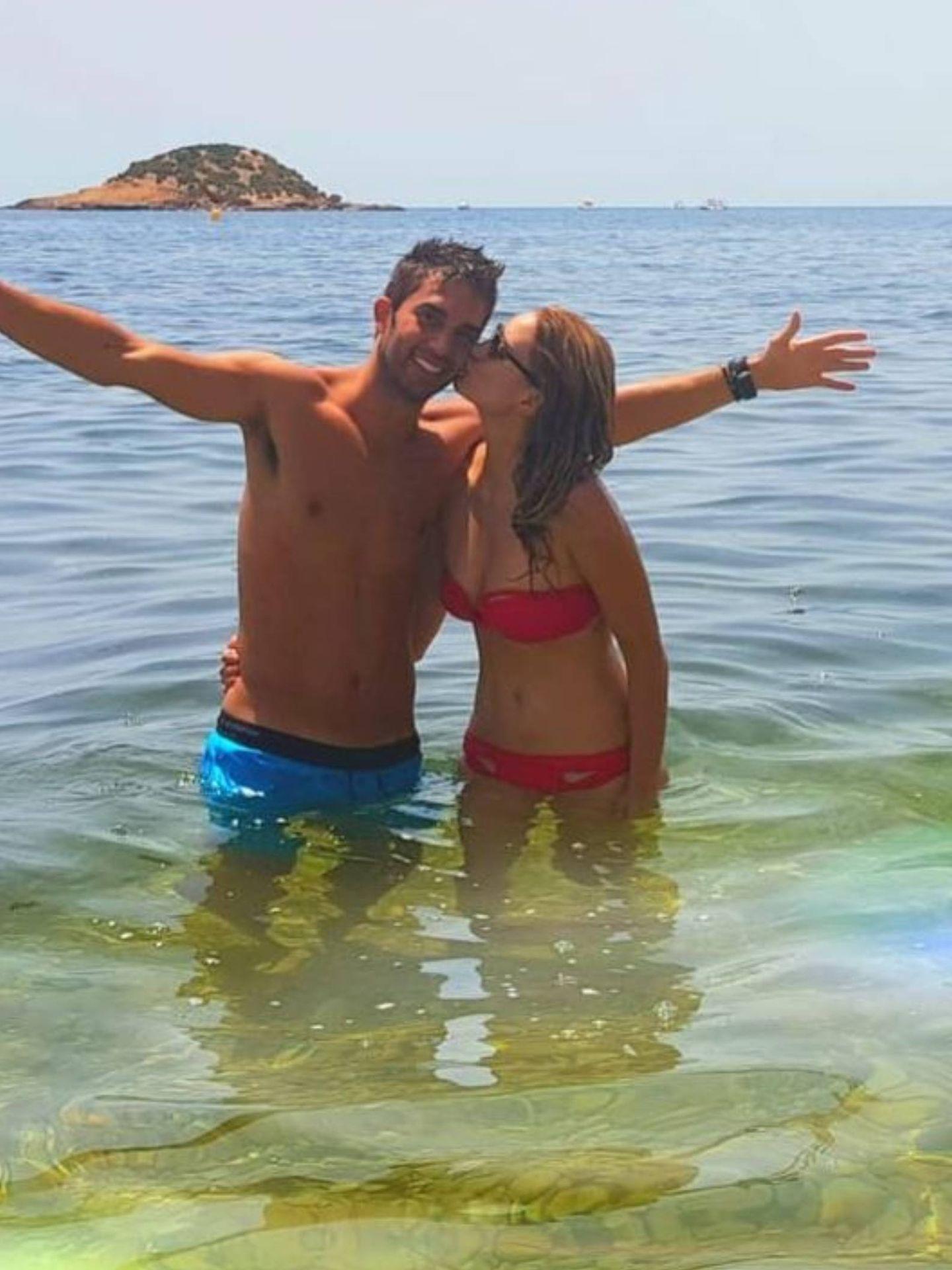 Alba Carrillo y Santi Burgoa. (Instagram @albacarrillooficial)