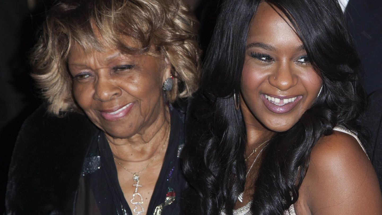 Cissy Houston, madre de Whitney Houston, con su nieta. (Reuters)