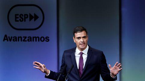 Empresarios, intelectuales y ministros en el acto de Pedro Sánchez