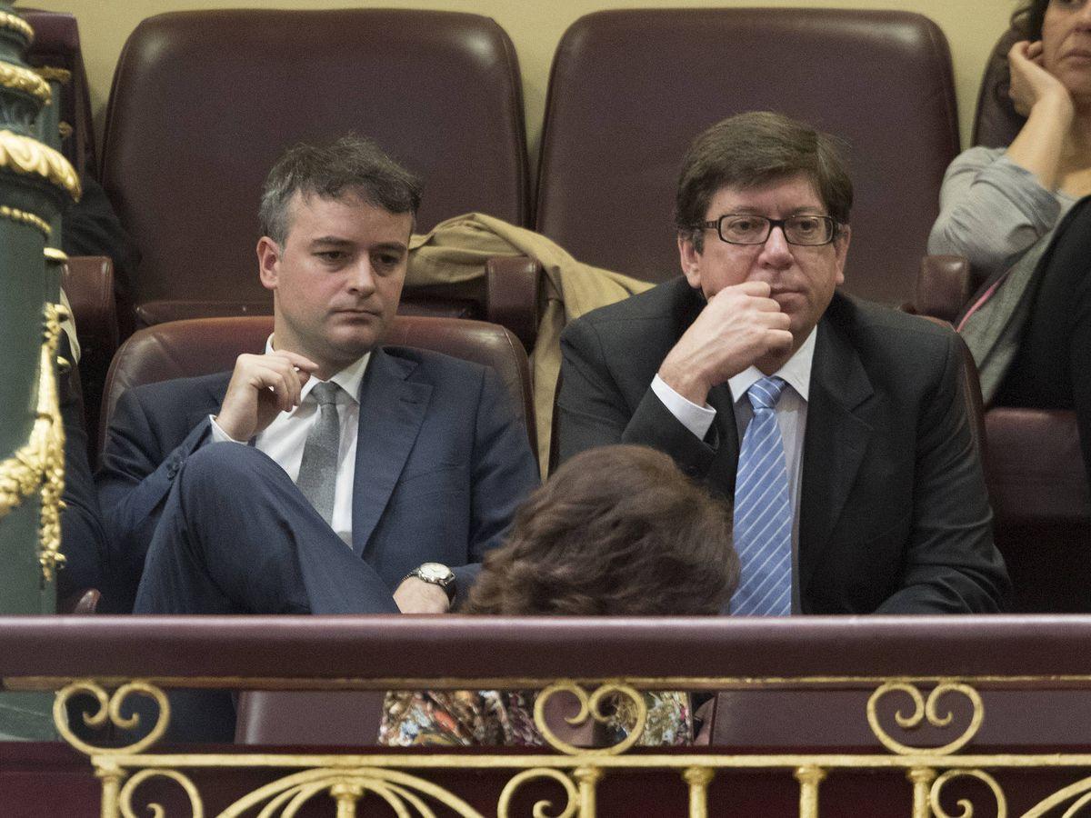 Foto: Iván Redondo y Paco Salazar, en el Congreso