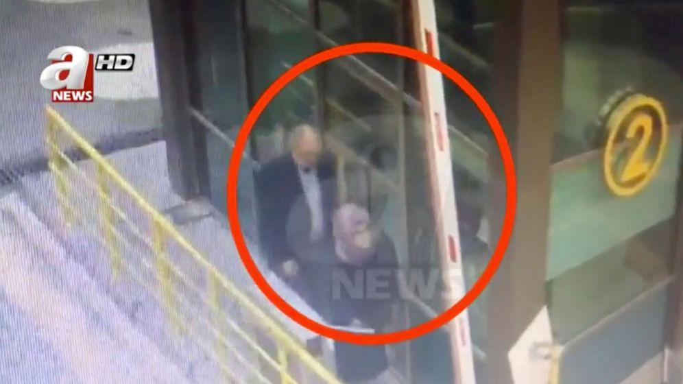 Foto: Una imagen muestra a Jamal Khashoggi abandonando su residencia para ir al consulado saudí en Estambul. (Reuters)