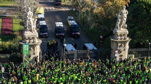 Huelga de taxis en directo | Un guardia civil herido y amenaza de bloquear fronteras