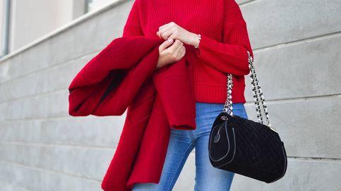Si siempre has fantaseado con un abrigo rojo, este de Pull and Bear te encantará