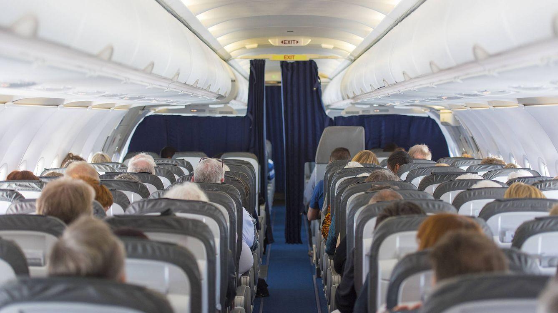 Las peores cosas que hacen los pasajeros en el avión