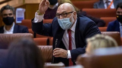 Vox se va del pleno andaluz al decirel PSOE que son herederos del franquismo