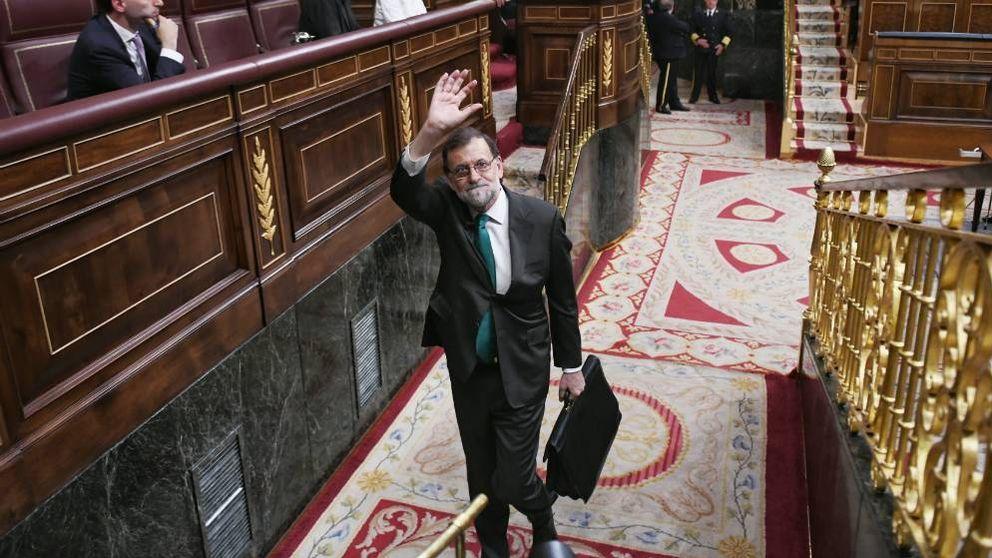 Rajoy moviliza a Cospedal y Santamaría para frenar el debate de la sucesión