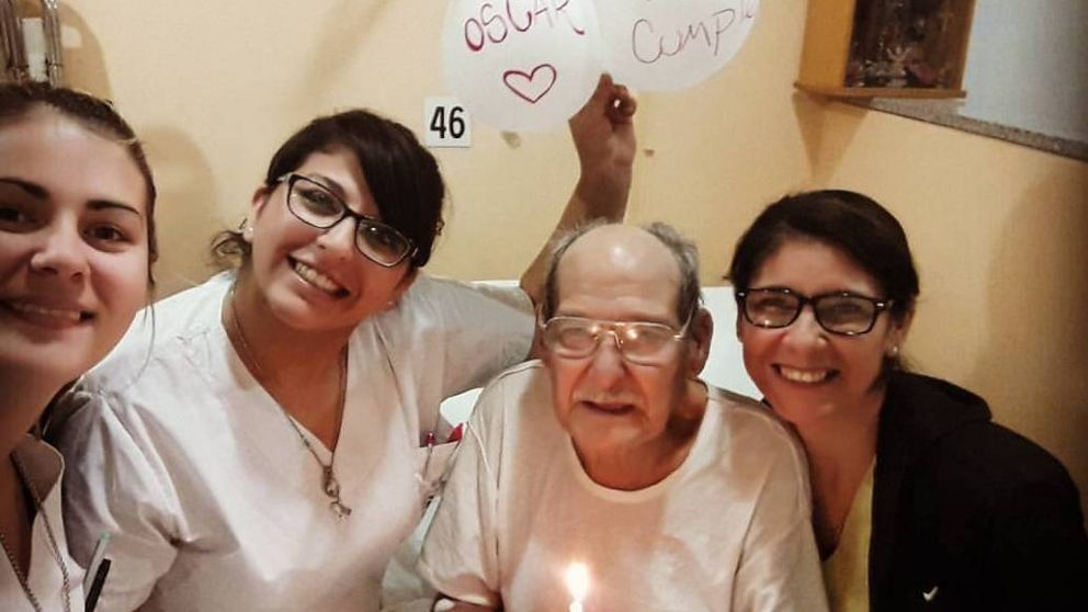 Un anciano acude a urgencias para no pasar su cumpleaños solo