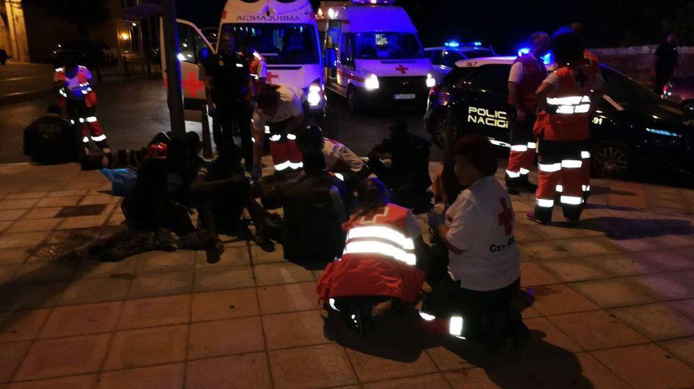 Foto: Los servicios de emergencia atienden a varios heridos. (Cruz Roja)