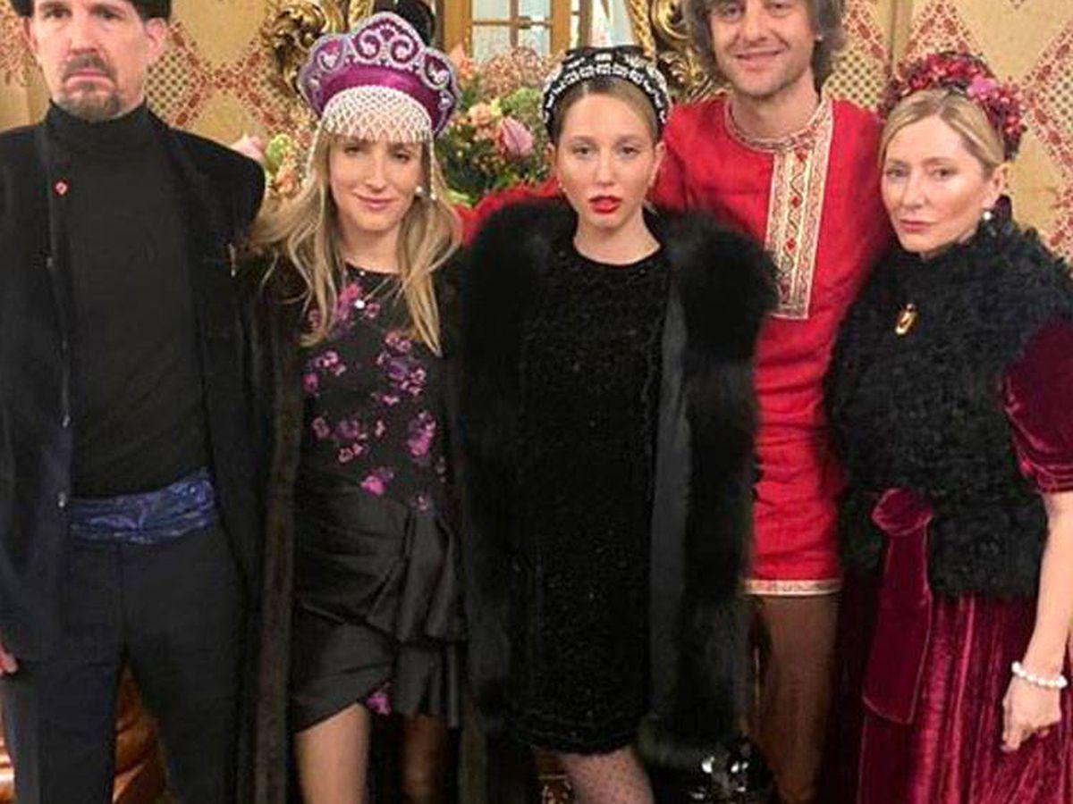 Foto: Marie-Chantal con Pablo, su hija y Ernesto y Ekaterina de Hannover. (Instagram)