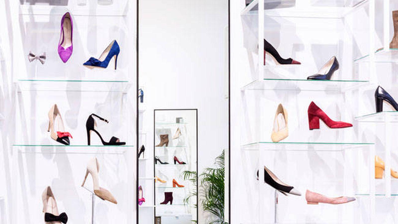 Foto: Mobiliario en una tienda de Uniqshoes. (Cortesía)