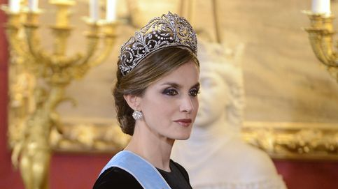 'Se buscan' 25 diamantes y 5 perlas: el misterio de la tiara 'desaparecida' de Letizia